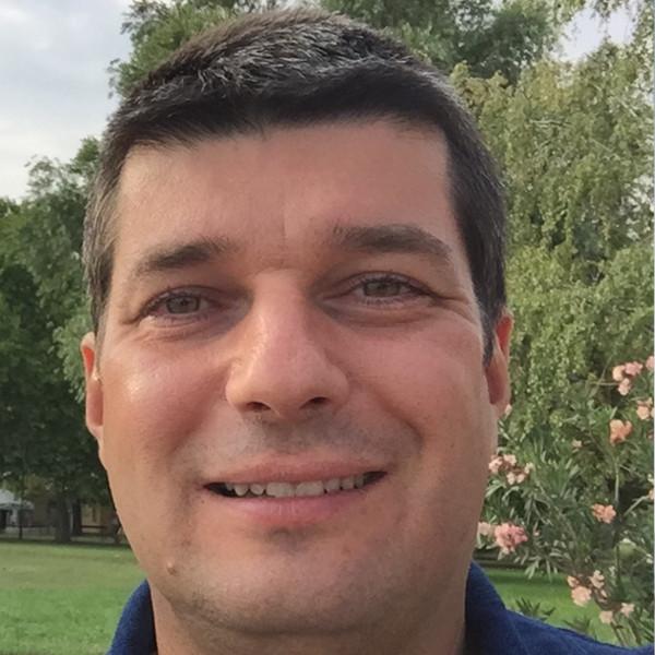 Dr. Sasi Viktor