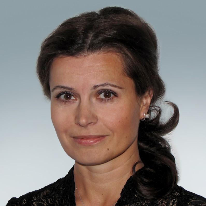 Dr. Telek Anna